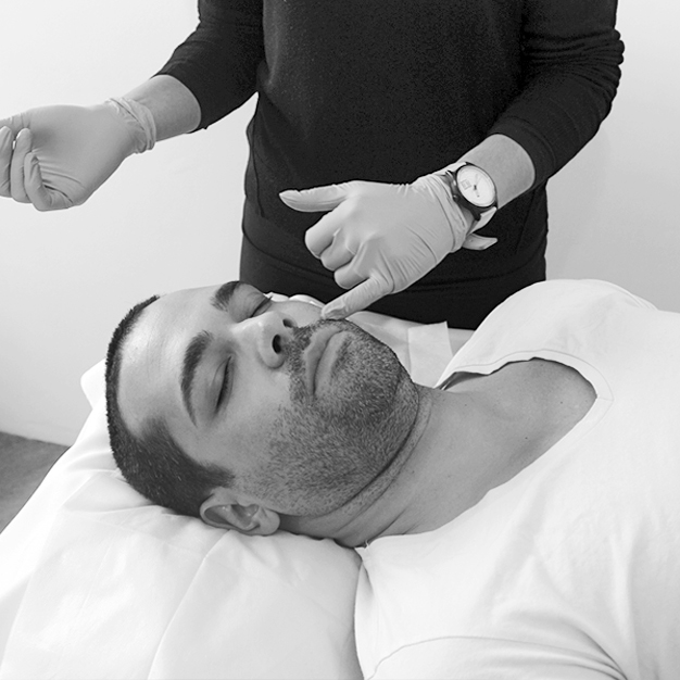 Rejuvenecimiento labial masculino Image